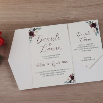Invito Pocketfold Avorio Con Grafica Rose Bordeaux